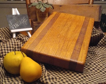 Vintage BUTCHER BLOCK Cutting Board, Wood Cutting Board, Cutting Block, Kitchen Tool, Footed Cutting Board, Farmhouse Bread Board,