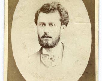 CDV Photo Victorian Handsome Bearded Young Man, Bow Tie, Vignette Portrait - Old Brompton London - Carte de Visite Antique Photograph