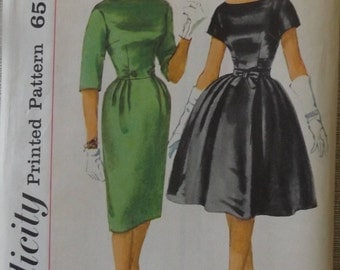 Dress with Bateau Neckline and Two Skirts in Size 14 All 14 Pieces Complete Vintage Simplicity Sewing Pattern 3592