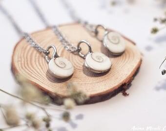 Small Shiva Eye Shell pendant, Yoga pendant, Spiritual pendant, gift for friend, gift for boyfriend, bassnectar, mermaid Festival pendant,