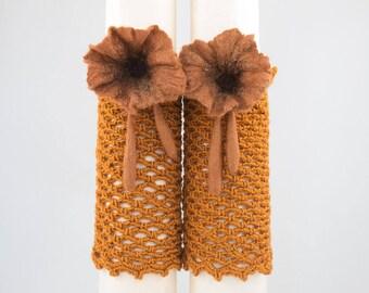 Manchettes-mitaines extensible au crochet avec fleurs laine feutrée et soie-Couleur Camel