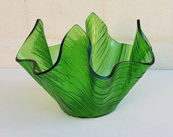 Retro Chance glass COTSWOLD green handkerchief vase