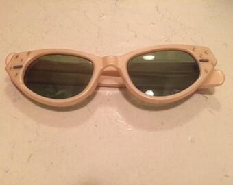 Cool Ray Pink 1950s Retro Cat-Eye Sunglasses Rhinestone True Vintage