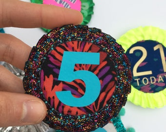 BIRTHDAY BADGE. Handmade rosette featuring a NUMBER of your choice. Colourful pin badge, Birthday card alternative.
