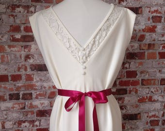 Nuriah / bride short backless lace dress size 36/38