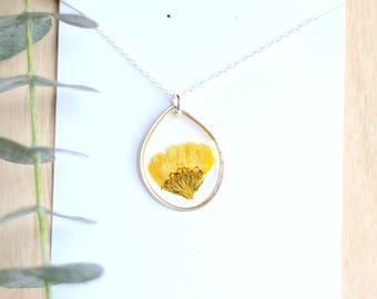 Yellow Chrysanthemum Necklace