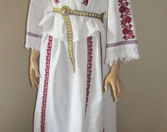 Antique Romanian blouse and skirt , hand embroidered Romanian Blouse  , Romanian costume , ethnic European handmade blouse  skirt M/L or L