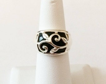 Size 6 Sterling Silver And Black Glass Filigree Ring