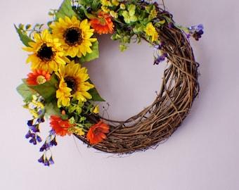 Summer Wreath, Front Door Wreath, Sunflower Wreath, Daisy Wreath, Year Round Wreath, Spring Door Wreaths, Mothers Day, Ready to Ship