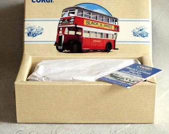Vintage 1993 Corgi Diecast Guy Arab London Transport Bus from the Classic Commercials Limited Edition Model No. 97203 Boxed (ref: 3188)