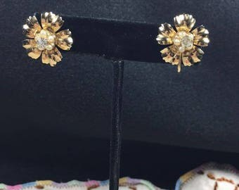 Vintage Gold FlowerCOTO Screwback earrings with pearl and diamond detail