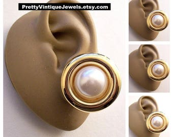 St John White Pearl Clip On Earrings Gold Tone Vintage Rolled Rimmed Edge Large Center Bead Buttons