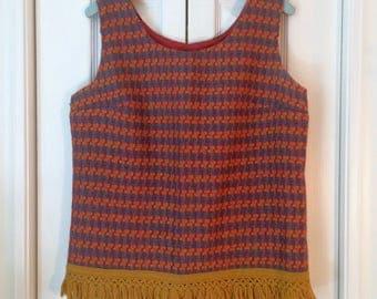 Vintage 1960s Knit Fringe Tanktop // M-L