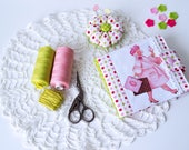 Tilda Sewing Cross stitch holder Needle case Sewing gift Sewing storage Sewing accessories Pink Sewing travel set Round pincushion