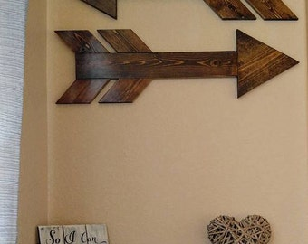 Pair of Bulky Over-sized Wood Arrows Rustic Wall Decor