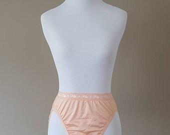 Size 6 / Panties / Peach Apricot / Lace Waist Band / Medium