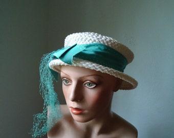 Vintage teal veil hat - Vintage Ladies hat - Vintage British hat - Vintage ladies hat - Female hat - Costume hat - Teal hat - White and teal