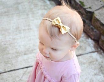 Platnium Gold Bow | Baby headband set, Baby bow Headband, Small Bows, Baby Bows, Newborn headbands, Nylon Headbands,Baby hair bows,