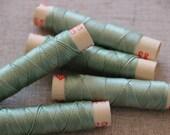 fil de soie gutermann, ancienne bobine de fil cordonnet de soie GUTERMANN coloris 913 vert, bobine de fil à coudre gutermann