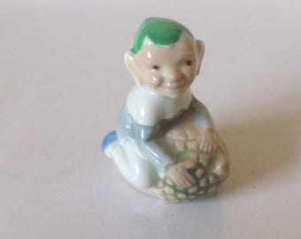 vintage 1950s wade  pixie on acorn