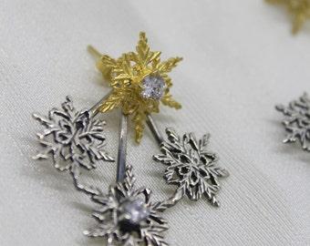 Snowflake Earrings/ Winter Stud Earrings/ Winter Earrings/ Tiny Snowflake Studs/ Silver Snowflakes,Filigree snowflake earrings