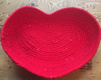 Red heart basket