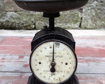 Vintage Hughes Family scales  - weighing scales
