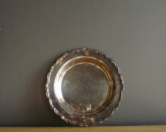 Vintage Silver Tray - Small Round Silverplate Serving Tray - Silverplate Drink Tray or Jewelery Tray