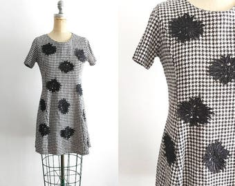 Vintage 1990s Black and White Houndstooth Dress 90s Dress Houndstooth Skater Dress Blossom Dress 90s Floral Dress Daisy Dress Small Medium