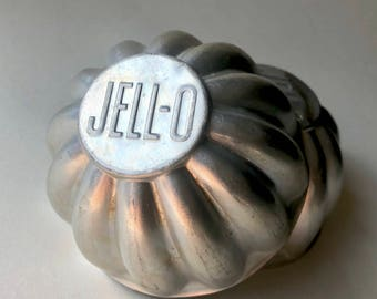 Pair of vintage miniature Jell-o brand molds // FREE DOMESTIC SHIPPING