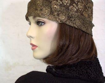 1920's Gold Lamé Lace Cloche / Downton Abbey Hat / Gatsby Cloche