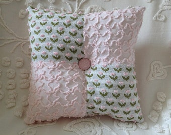 NEW...Pillow Vintage Chenille Flowers in Pink  12 x 12""