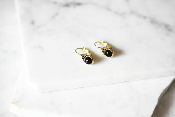 1970s gold drop earrings // 1970s black onyx earrings // vintage earrings