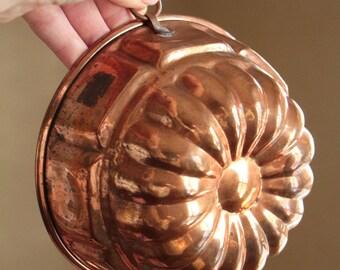 Vintage copper flower jello mold / copper cake pan wall decor