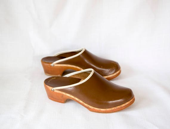 Austrian Pine Slip On Clogs - size 6