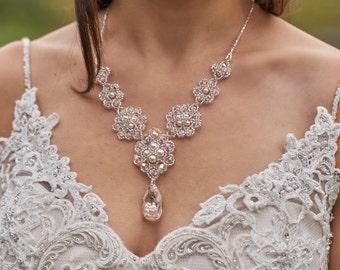 Swarovski Victorian vintage pearl beaded bridal necklace. Swarovski pearl crystal beaded wedding necklace. vintage crystal bridal necklace