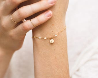 Dainty Lace Chain Initial Bracelet, Delicate Personalized Disk Bracelet • Tiny Disc in 14k Gold Fill, or Sterling Silver • LB007_td