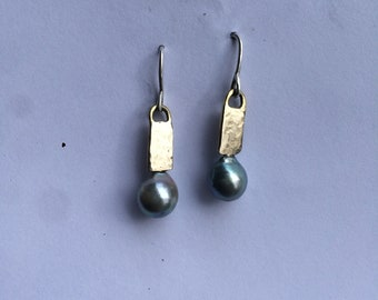 Gray-green natural keishi pearl earrings in 14k white hammered gold setting