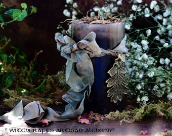 "OLD ENGLISH OAK™ ""Old European Witchcraft""™ Woodland Brown Pillar Candle w/ Bronze Oak Leaf Charm, Rich English Oak (Quercus robur) Absolute"