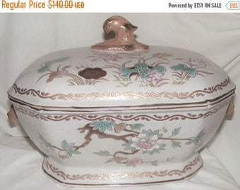 Store Wide Sale Vintage Chinese Export Ornate Soup Tureen