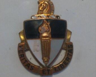 Easter Sale Vintage Vietnam War US Special Warfare School Unit Crest Insignia