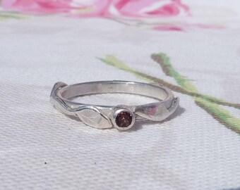 Silver Leaf Ring with Garnet Gemstone, Garnet Leaf Ring, Silver Ring, Stacking Ring, Garnet Engagement Ring, Pink Gemstone Ring, Boho Ring
