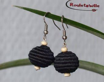 """Earrings """"baobab"""" sisal, black and beige wooden beads"""
