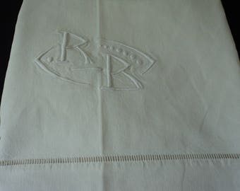 French vintage metis linen bed sheet with embroidered initials R & B (04859)