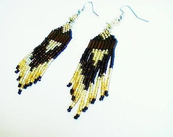 Earrings with fringe woven beads