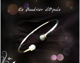 Bangle Bracelet in Silver 925/1000 and white semi-percees Labradorite stone