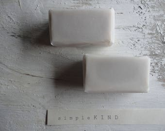 SCENTED: shea butter soap, scented with organic essential oils (lavender, cloves, rosemary, orange) _ 80 g / 2.82 oz