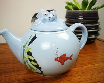 Wade Whimsical teapots, feline Collection Cat and fishbowl