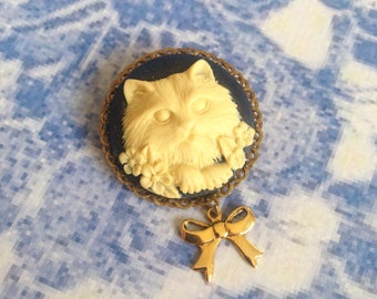 Kitten and Butterfly bow brooch