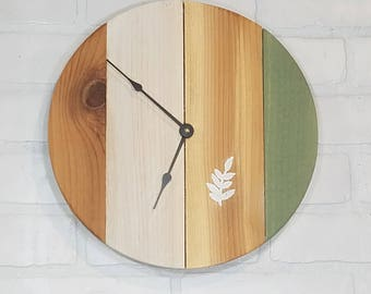 Round Wall Clock - Simple Leaf